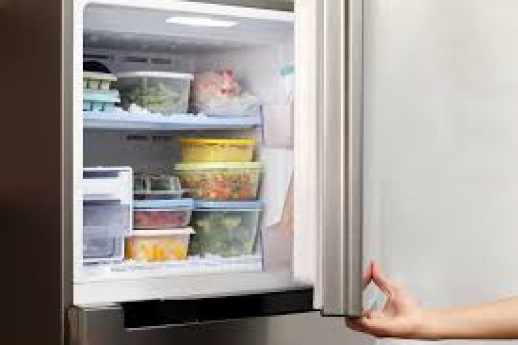 how-to-defrost-a-fridge-freezer-simple-steps